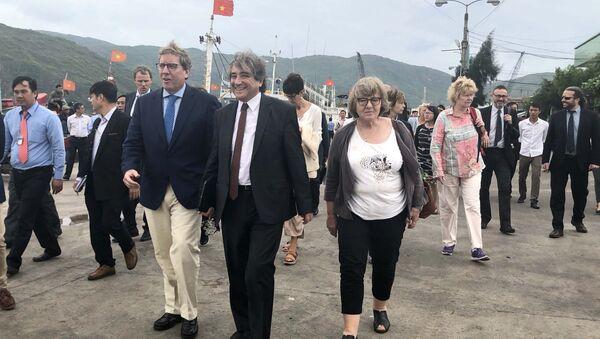 Đoàn Ủy ban Nghề cá của Nghị viện châu Âu kiểm tra cảng cá Quy Nhơn. - Sputnik Việt Nam