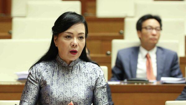 Bộ trưởng Bộ Y tế Nguyễn Thị Kim Tiến trả lời chất vấn của các Đại biểu Quốc hội về vấn đề làm giả bệnh án tâm thần để trốn trách nhiệm hình sự. - Sputnik Việt Nam