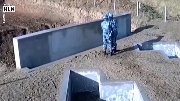 Quả lựu đạn văng ngược lại sau khi bị ném vào tường - Sputnik Việt Nam