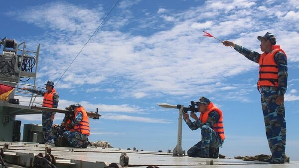 Huấn luyện bắn đạn thật trên biển ở Hải đội 311, Lữ đoàn 161, Vùng 3 Hải quân. - Sputnik Việt Nam