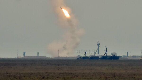Ukraina bắn tên lửa ở vùng biên giới với Crưm - Sputnik Việt Nam