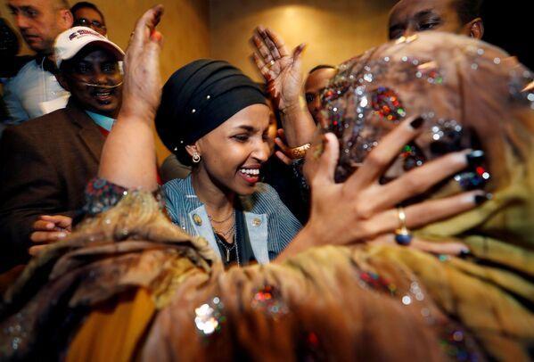 Ilhan Omar của Đảng Dân chủ được bầu vào Hạ viện tại Minnesota, Hoa Kỳ - Sputnik Việt Nam