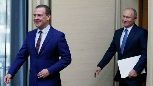 Vladimir Putin và Dmitriy Medvedev - Sputnik Việt Nam