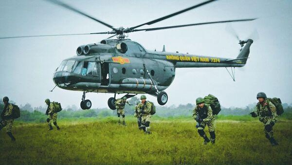 Xem lính Việt Nam diễn tập đổ bộ tấn công - Sputnik Việt Nam