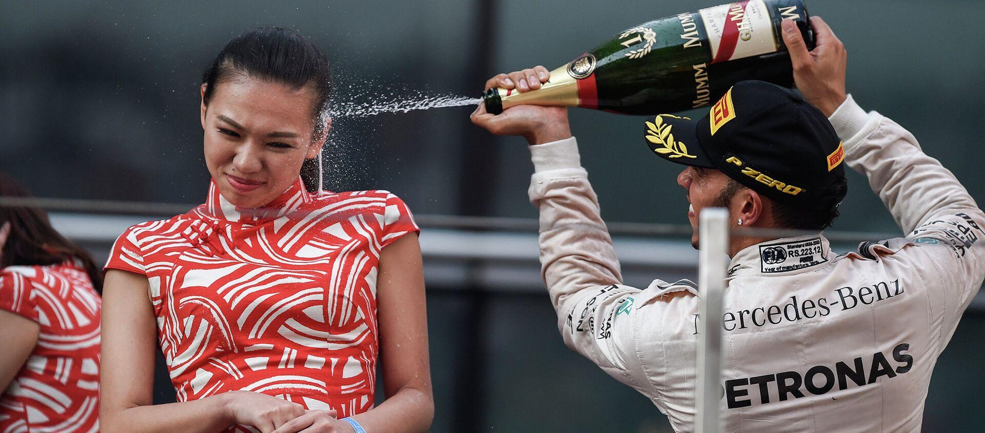 Lewis Hamilton - Sputnik Việt Nam, 1920, 12.03.2020