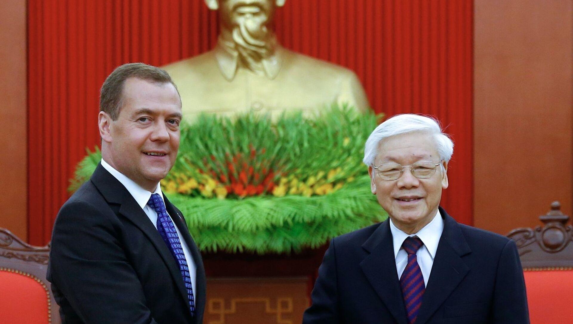 Ngày 19 tháng 11 năm 2018. Thủ tướng Nga Dmitry Medvedev và Tổng Bí thư Trung ương Đảng Cộng sản Việt Nam, Chủ tịch nước Nguyễn Phú Trọng trong cuộc gặp tại Hà Nội. - Sputnik Việt Nam, 1920, 23.09.2021