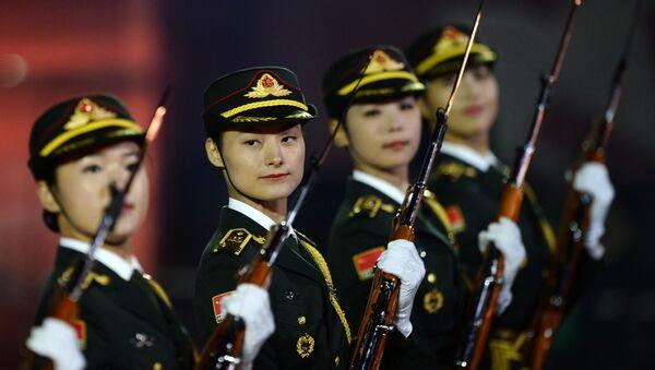 Dàn nhạc của Quân đội Giải phóng Nhân dân Trung Quốc tại lễ khai mạc Festival Quân  nhạc Quốc tế Tháp Spasskaya - Sputnik Việt Nam