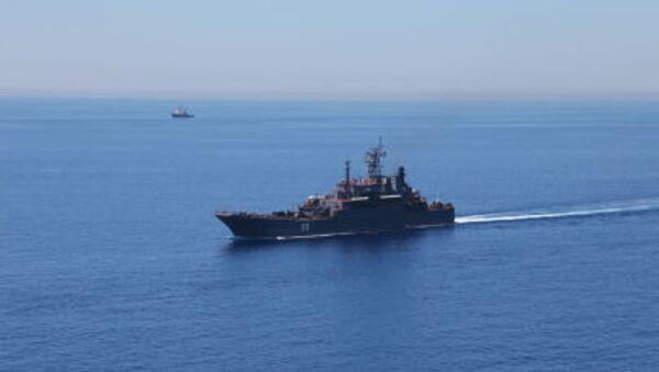 Tàu đổ bộ Alexander Shabalin trong cuộc tập trận chung giữa Nga và Trung Quốc ở Biển Địa Trung Hải - Sputnik Việt Nam