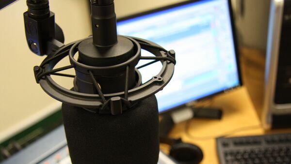 Microphone trong phòng thu âm - Sputnik Việt Nam