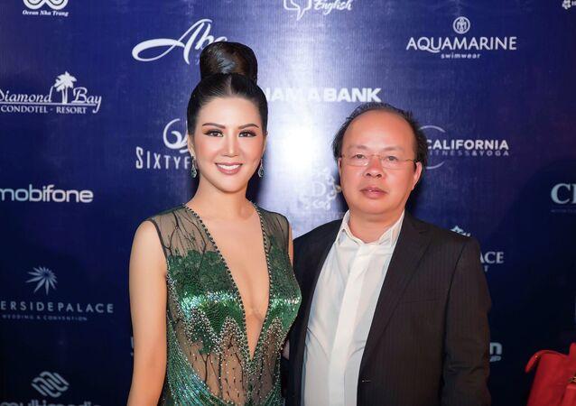Ca sĩ Đinh Hiền Anh và ông xã kết hôn tại Vinh vào ngày 17.11