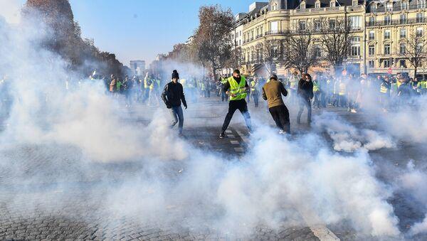 Сuộc biểu tình phản đối tại Paris - Sputnik Việt Nam