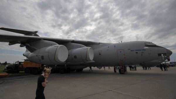 Máy bay vận tải quân sự Il-76MD-90A  - Sputnik Việt Nam