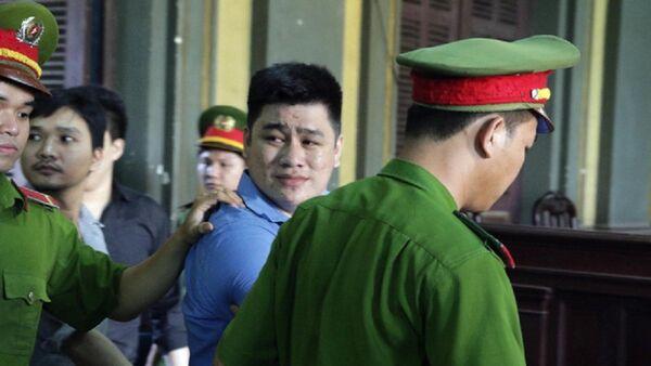 Nguyễn Tấn Tài mỉm cười khi lãnh án tử hình - Sputnik Việt Nam