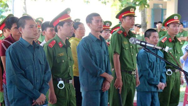 Các bị cáo thành khẩn khai báo nên được HĐXX cho áp dụng tiết giảm nhẹ - Sputnik Việt Nam