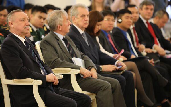 Diễn đàn thanh niên Nga-Việt lần thứ nhất khai mạc tại St. Petersburg - Sputnik Việt Nam