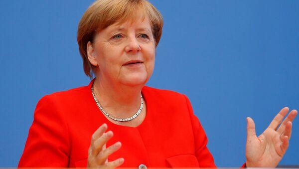 Канцлер Германии Ангела Меркель на пресс-конференции в Берлине, Германия - Sputnik Việt Nam
