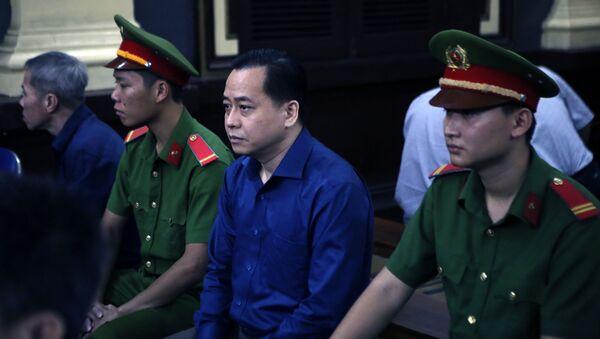 """Bị cáo Phan Văn Anh Vũ (tức Vũ """"nhôm"""") tại phiên tòa. - Sputnik Việt Nam"""
