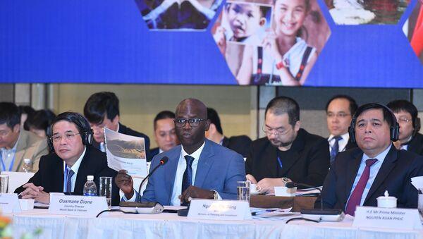 Giám đốc Quốc gia Ngân hàng Thế giới (WB) tại Việt Nam Ousmane Dione - Sputnik Việt Nam