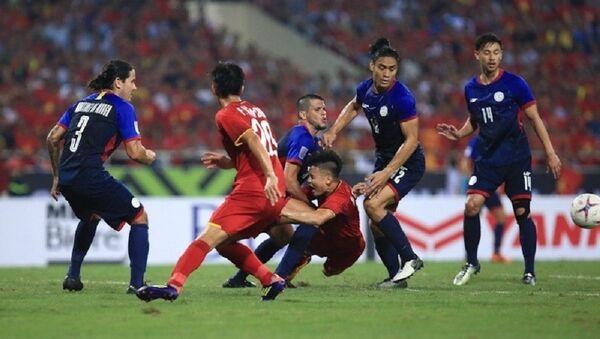 Trong một trận đấu căng thẳng và quyết liệt như thế này, đội có đấu pháp hợp lý hơn là Việt Nam đã giành chiến thắng. - Sputnik Việt Nam