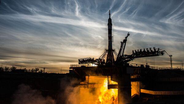 Phóng tàu Soyuz-FG chở tàu vũ trụ có người lái Soyuz MS-11 từ sân bay vũ trụ Baikonur - Sputnik Việt Nam