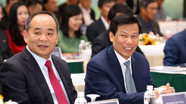 Bộ trưởng Bộ VHTTDL Nguyễn Ngọc Thiện và Thứ trưởng Lê Khánh Hải tại Đại hội VFF - Sputnik Việt Nam