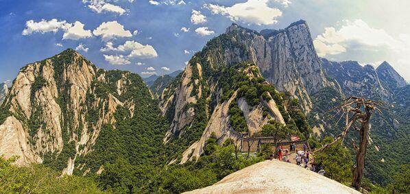 Quán trà trên núi Huashan, Trung Quốc. - Sputnik Việt Nam