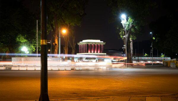 Lăng Chủ tịch Hồ Chí Minh ban đêm - Sputnik Việt Nam