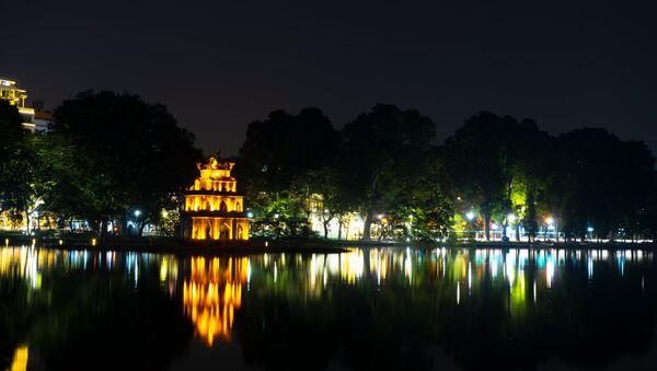 Tháp Rùa giữa Hồ Gươm ban đêm - Sputnik Việt Nam