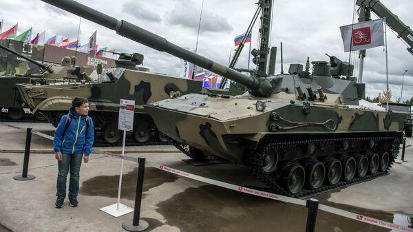 Pháo chống tăng tự hành Sprut-SDM1 tại Diễn đàn kỹ thuật quân sự quốc tế Quan đội-2016. - Sputnik Việt Nam