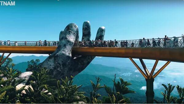 Cầu Vàng 150m tại Ba Na Hills, Việt Nam - Sputnik Việt Nam