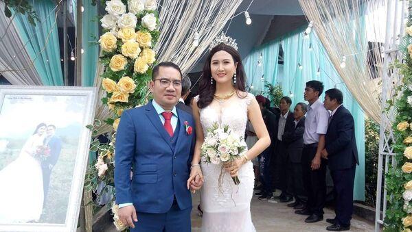Nguyễn Thị Hà trong đám cưới với vị doanh nhân - Sputnik Việt Nam