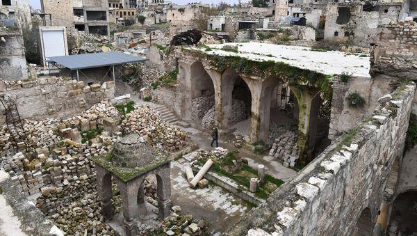 Giáo đường bị hủy hoại ở thành phố Aleppo, Syria - Sputnik Việt Nam