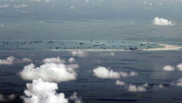 Trung Quốc bồi đắp rạn san hô Mischif trong quần đảo Trường Sa - Sputnik Việt Nam