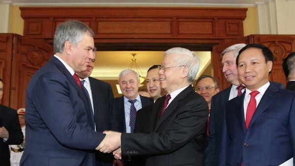 Tổng Bí thư, Chủ tịch nước Nguyễn Phú Trọng tiễn Chủ tịch Duma Quốc gia Nga Vyacheslav Viktorovich Volodin - Sputnik Việt Nam
