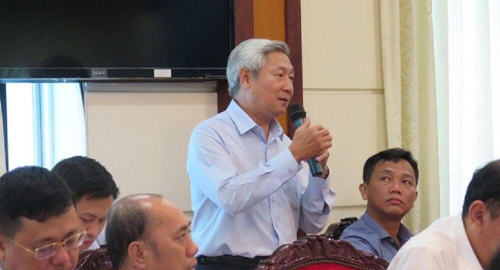Ông Hoàng Như Cương báo cáo về dự án metro số 1 tại Đoàn ĐBQH TP.HCM vào ngày 17.10 vừa qua