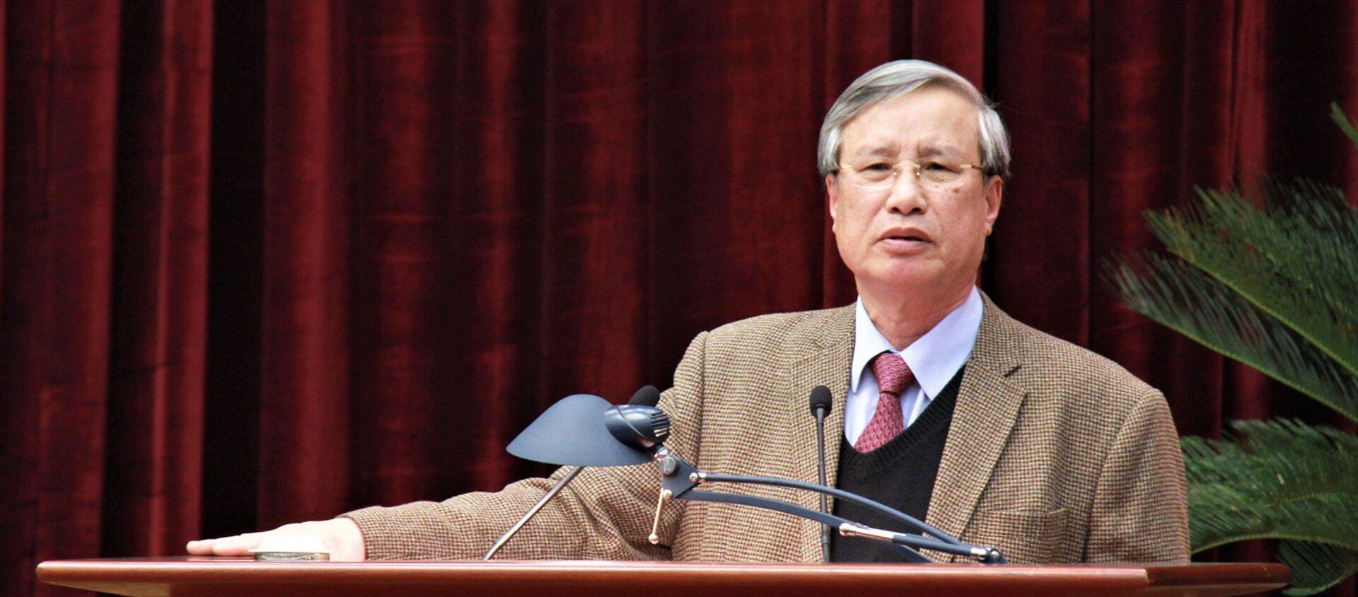 Ông Trần Quốc Vượng phát biểu tại hội nghị sáng 18.1 - Sputnik Việt Nam, 1920, 09.02.2018