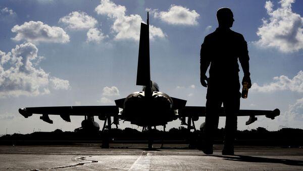 Quân nhân Vương quốc Anh tại sân bay - Sputnik Việt Nam