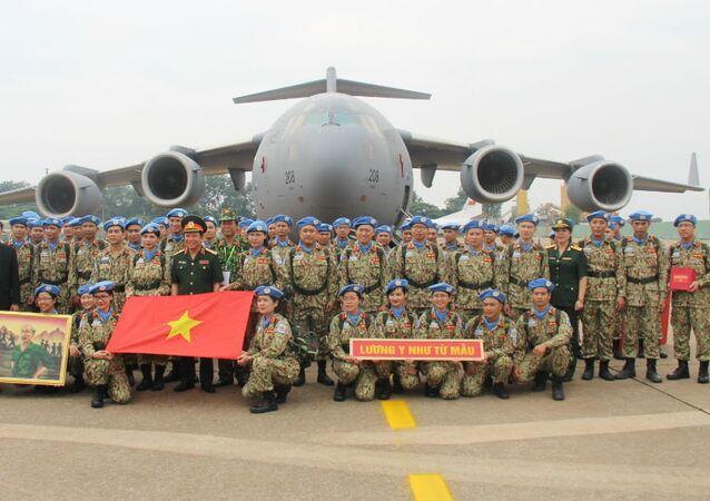 63 cán bộ, chiến sĩ bệnh viện Dã chiến cấp 2 số 1 quyết tâm hoàn thành nhiệm vụ.