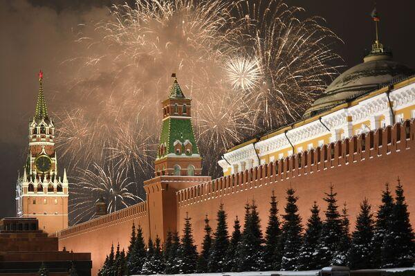 Pháo hoa mừng Năm Mới ở Matxcơva - Sputnik Việt Nam