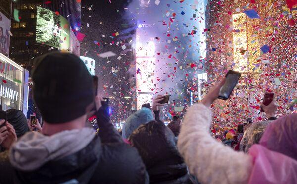 Lễ hội Năm Mới trên Quảng trường Thời đại ở New York - Sputnik Việt Nam