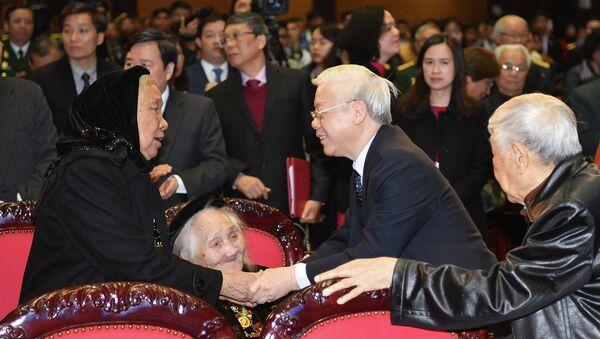 Tổng Bí thư, Chủ tịch nước Nguyễn Phú Trọng cùng các đại biểu. - Sputnik Việt Nam