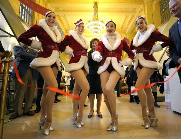 Các thành viên nhóm vũ điệu New York Rockettes - Sputnik Việt Nam