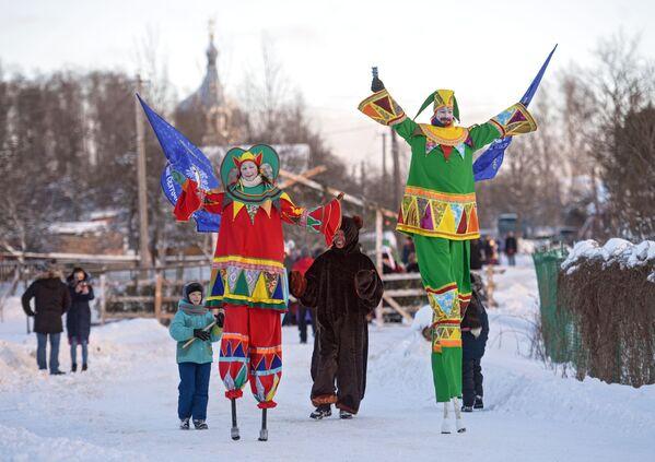 Lễ hội Những trò chơi lớn Svyatochnye ở vùng Leningrad - Sputnik Việt Nam