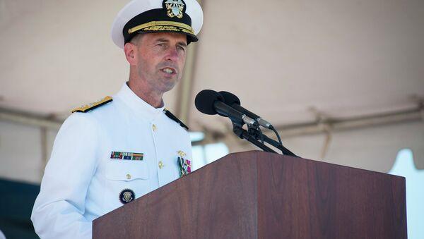 Adm. John Richardson delivers remarks during the commissioning ceremony of the Virginia-class attack submarine USS John Warner (SSN 785) at Naval Station Norfolk. - Sputnik Việt Nam