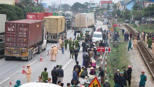 Tai nạn giao thông nghiêm trọng trên Quốc lộ 5 - Sputnik Việt Nam
