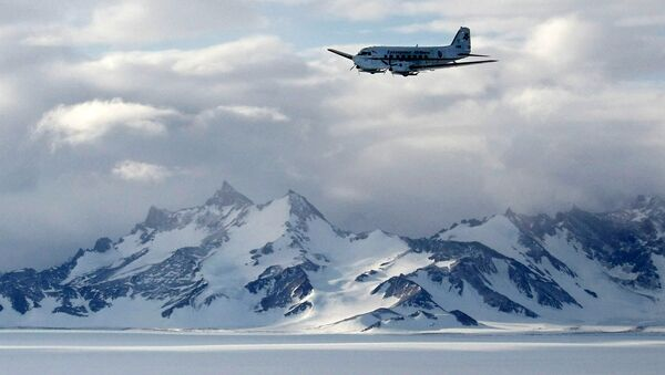 Dãy núi Voltadt ở Nam Cực, trong khu vực có trạm khoa học Nga Novolazarevskaya - Sputnik Việt Nam