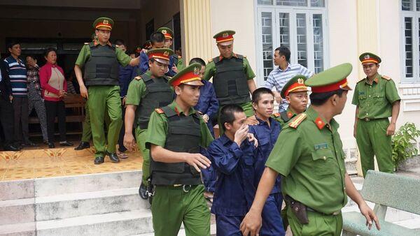 27 năm tù cho 10 bị cáo tham gia gây rối ở Bình Thuận - Sputnik Việt Nam