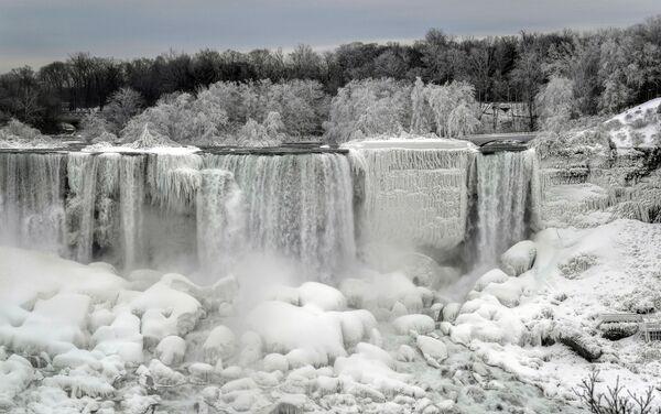 Thác Niagara đóng băng một phần - Sputnik Việt Nam