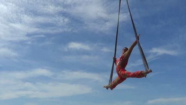 VĐV thể thao mạo hiểm Siberia với màn biểu diễn kịch tính trên bầu trời Việt Nam (Video) - Sputnik Việt Nam