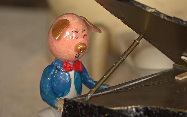 Nghệ sĩ đàn piano heo từ vỏ trứng - Sputnik Việt Nam